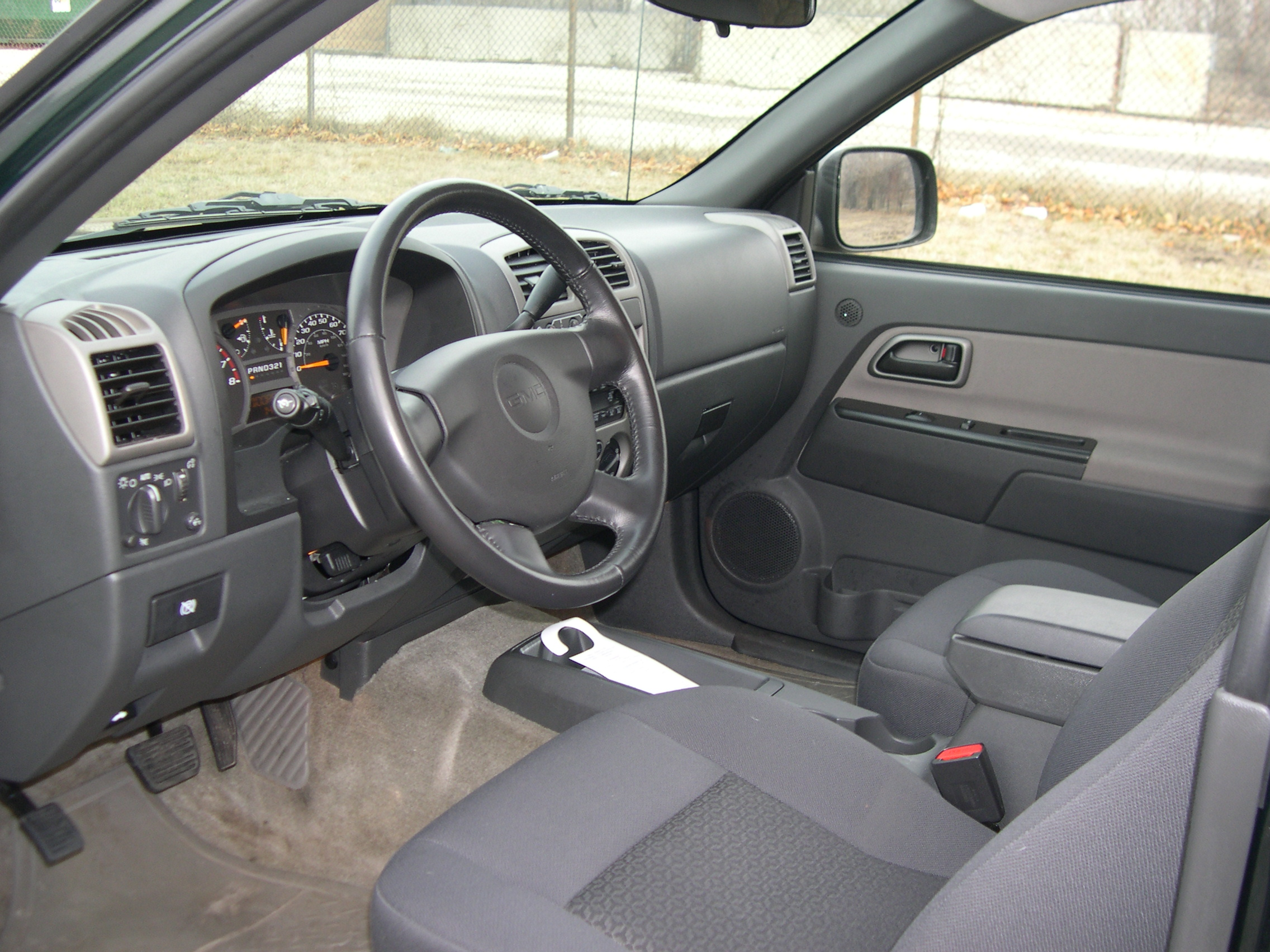 GMC Canyon: 05 фото