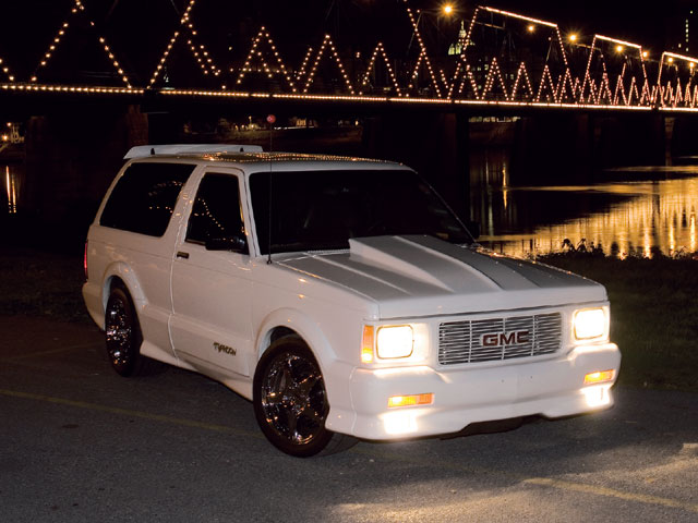 GMC Typhoon: 8 фото