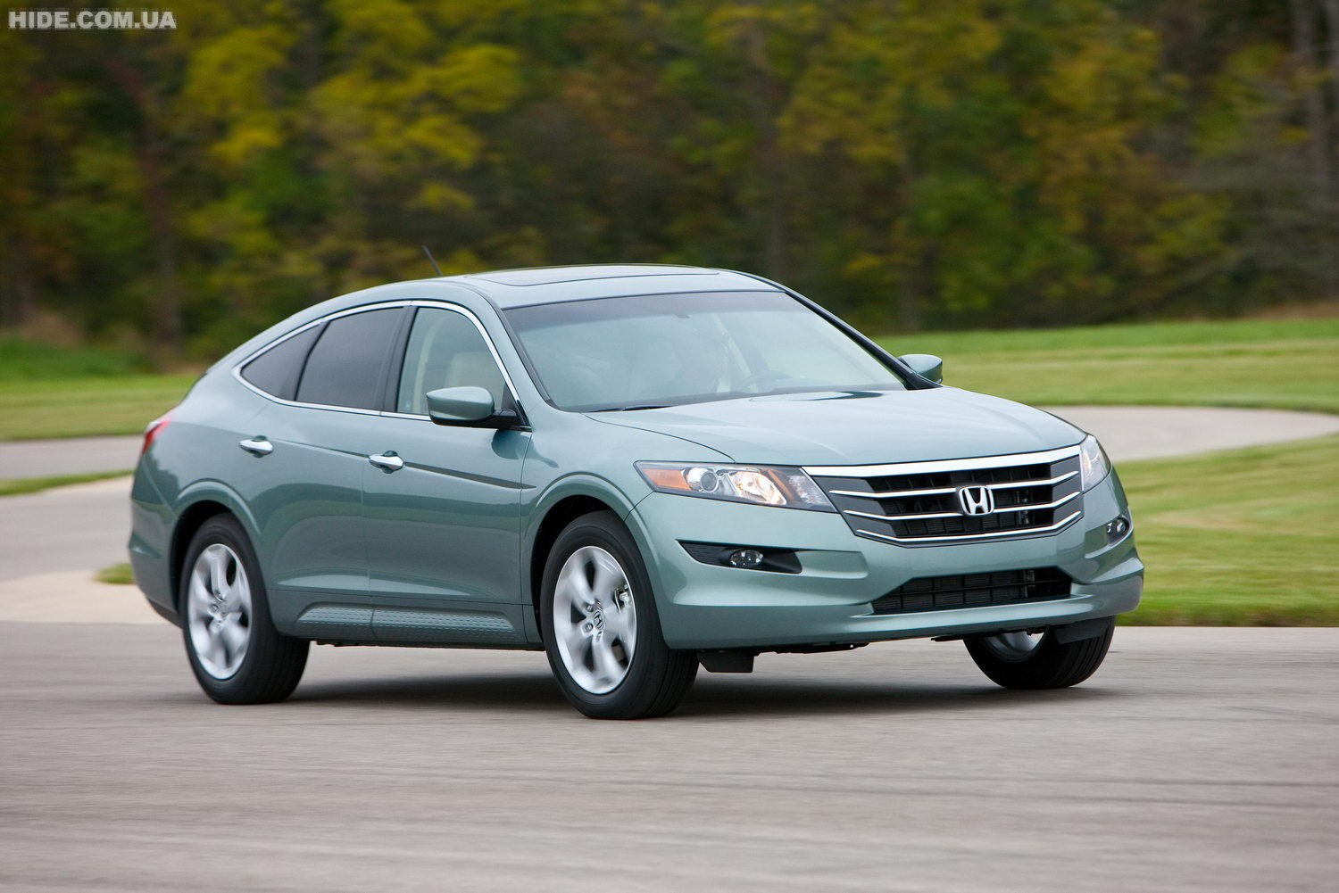 Honda Accord Crosstour: 7 фото