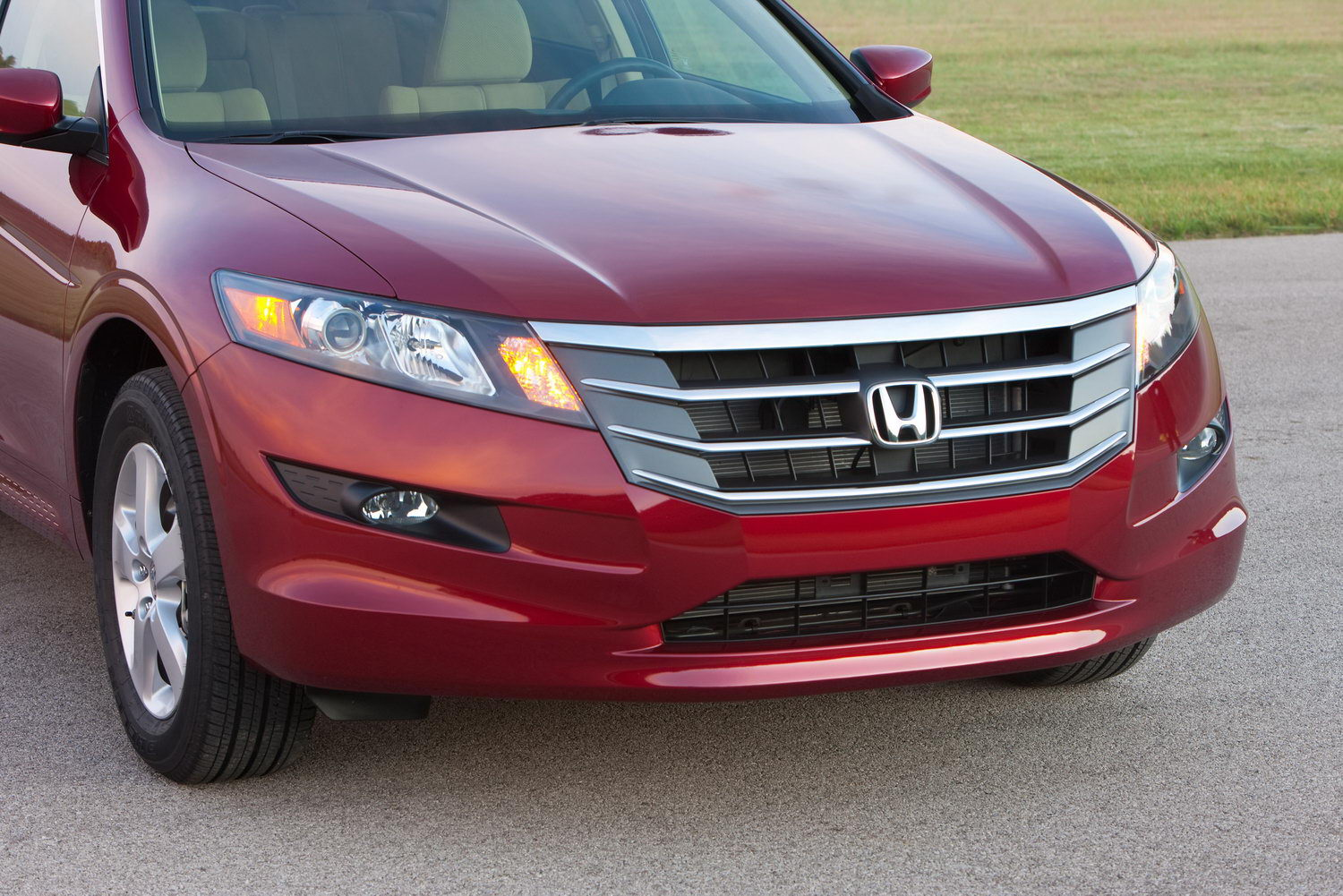 Honda Accord Crosstour: 8 фото
