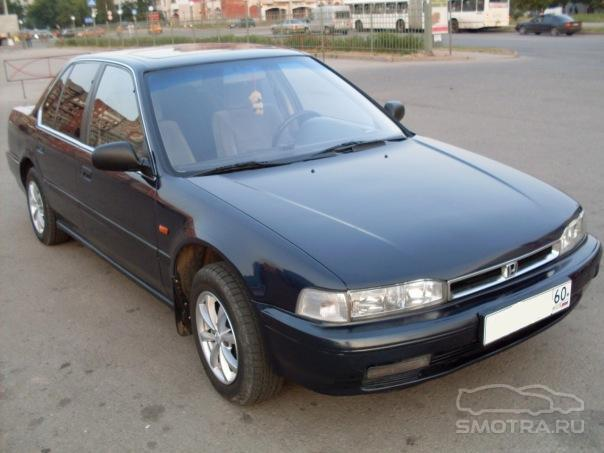 Honda Accord IV: 10 фото