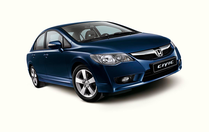 Honda Civic 4D: 09 фото