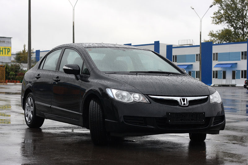 Honda Civic 4D: 12 фото