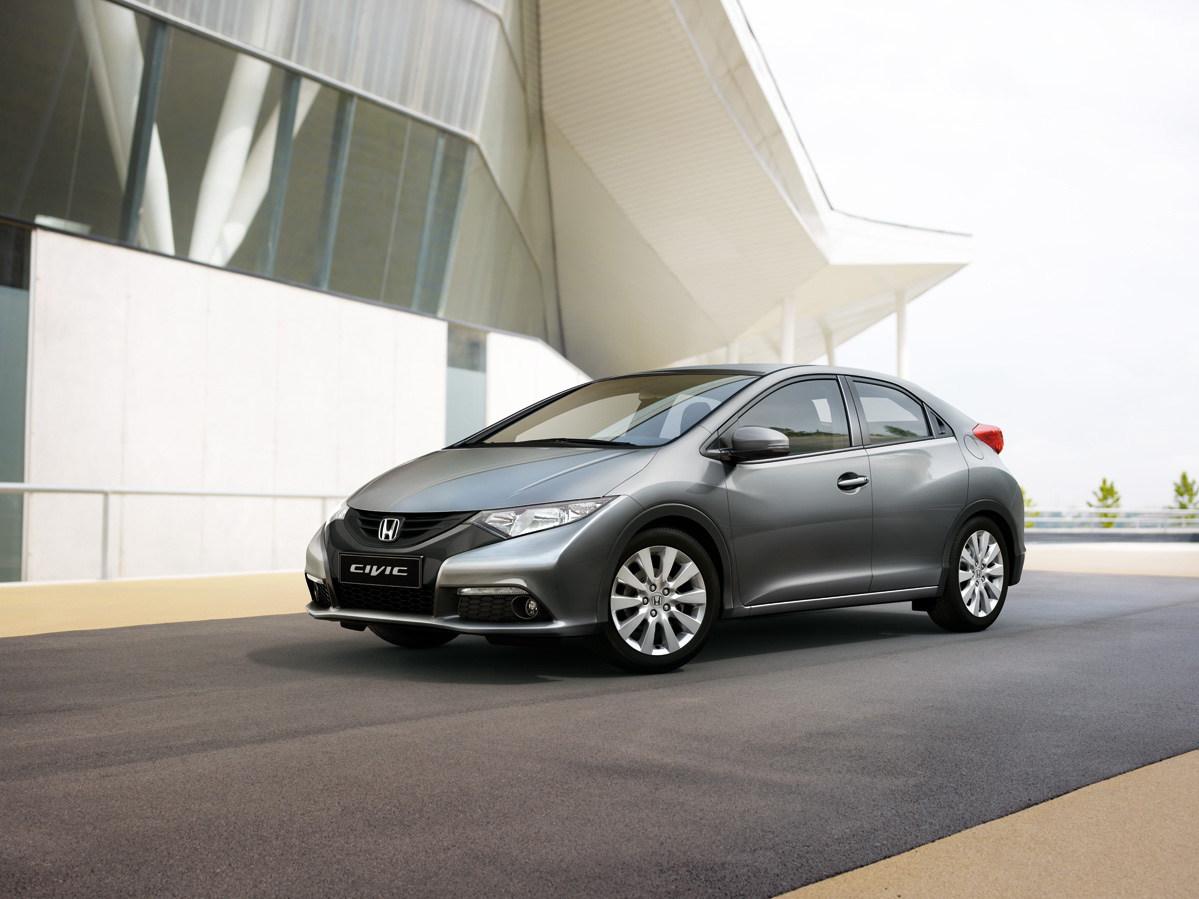 Honda Civic 5D: 2 фото