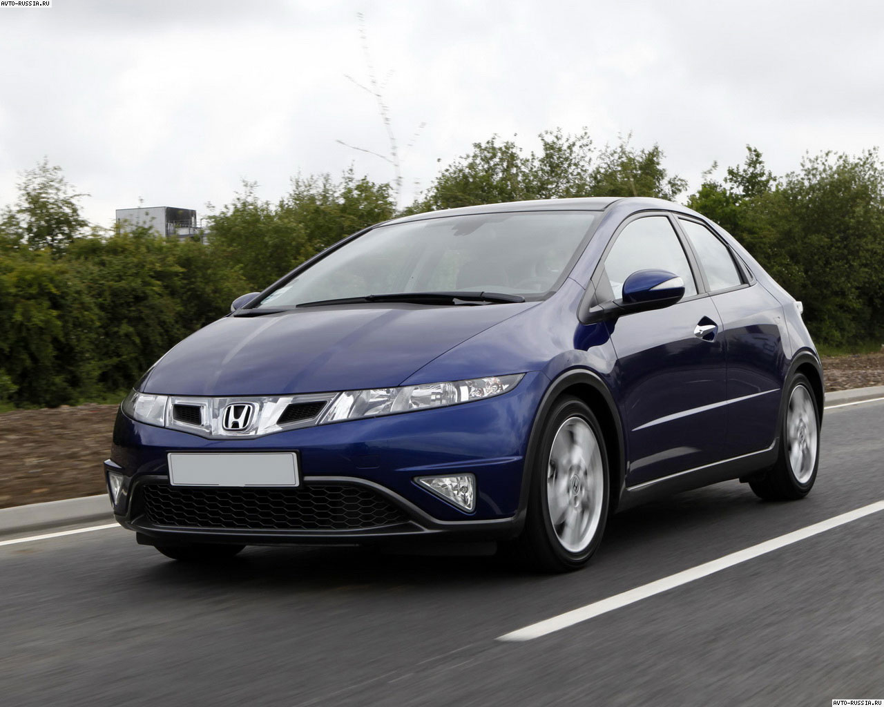 Honda Civic 5D: 07 фото