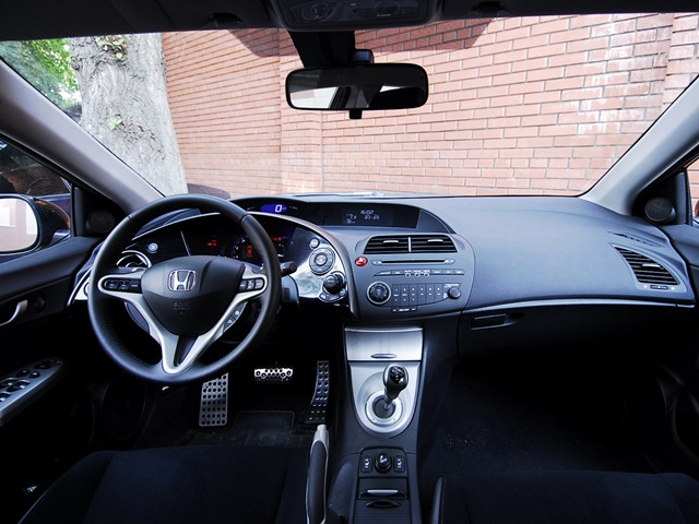 Honda Civic 5D: 10 фото