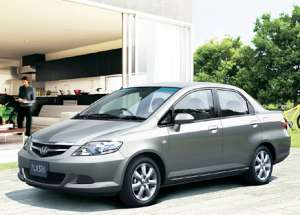 Honda Fit Aria: 02 фото