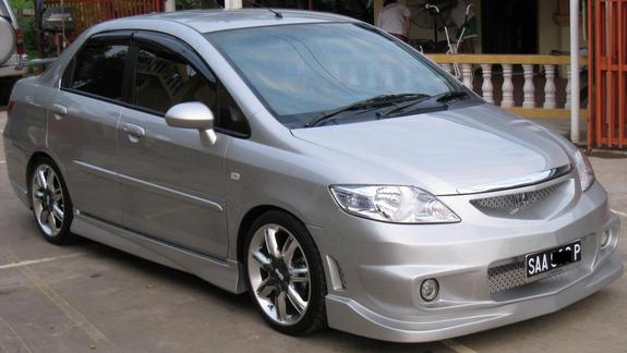 Honda Fit Aria: 05 фото