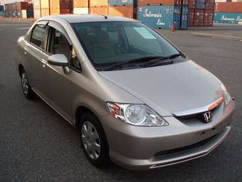 Honda Fit Aria: 11 фото