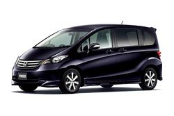 Honda Freed: 01 фото