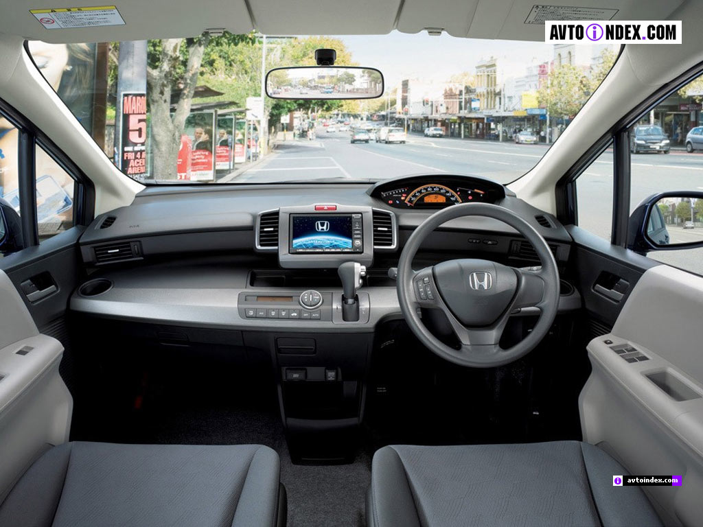 Honda Freed: 4 фото