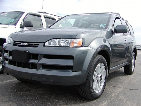 Isuzu Axiom: 8 фото
