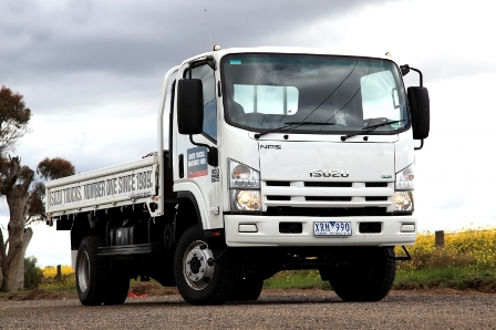 Isuzu N-Series: 11 фото