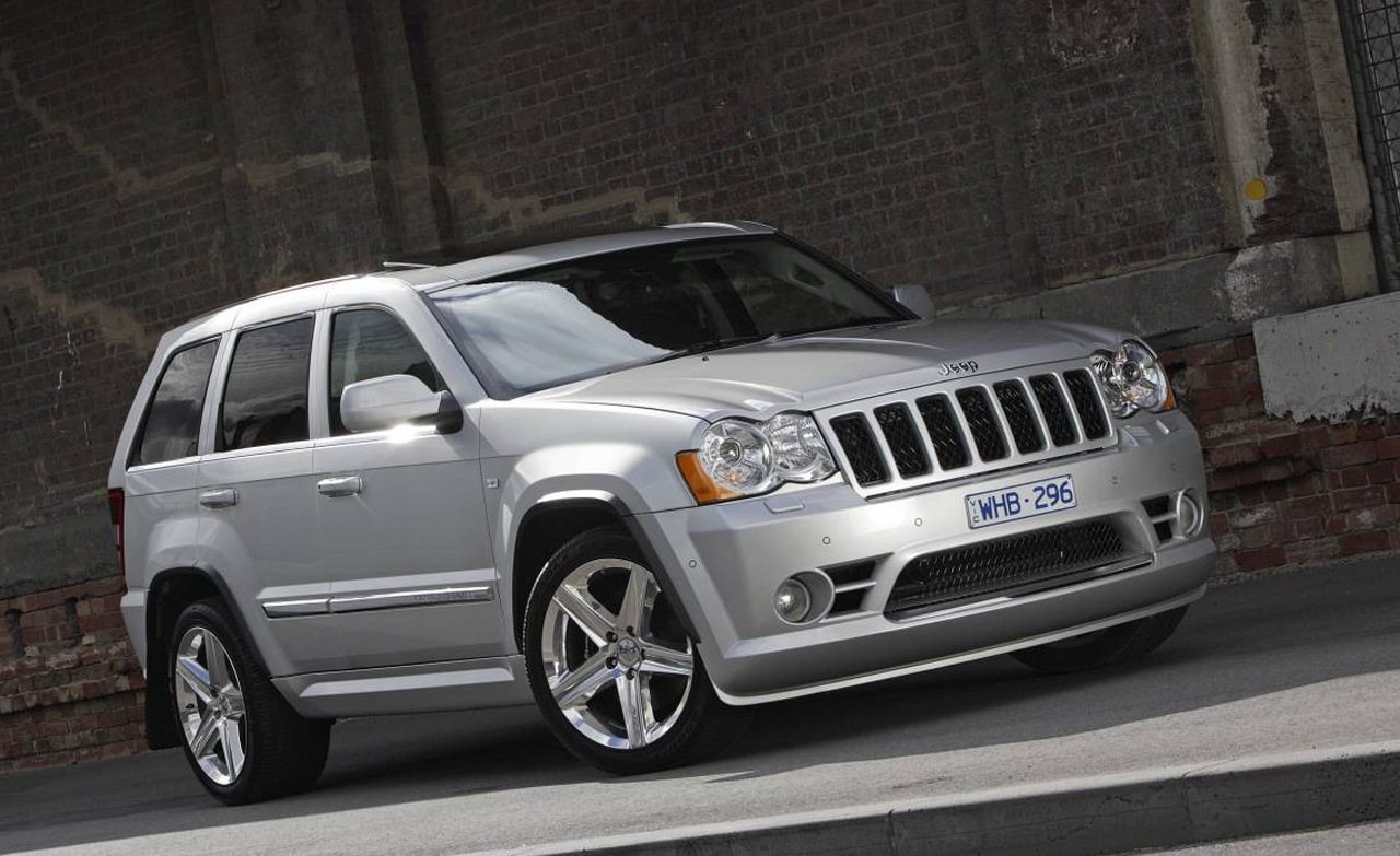 Jeep Grand Cherokee SRT8: 07 фото
