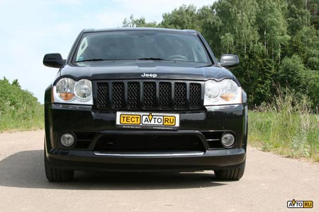 Jeep Grand Cherokee SRT8: 12 фото