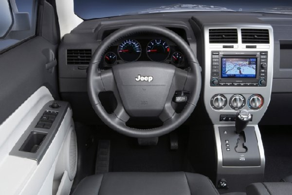 Jeep Patriot: 8 фото