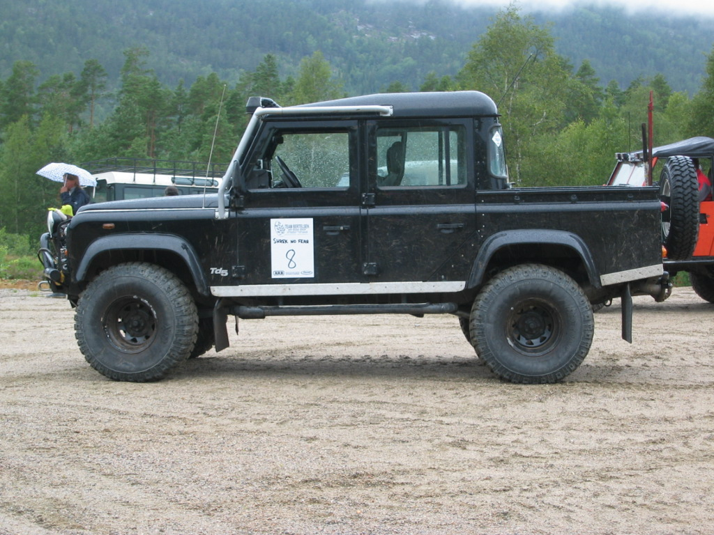 Land Rover Defender 110: 05 фото