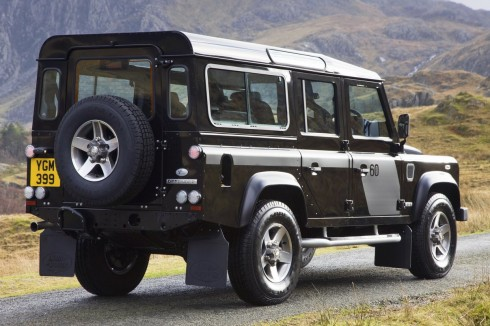 Land Rover Defender 110: 10 фото