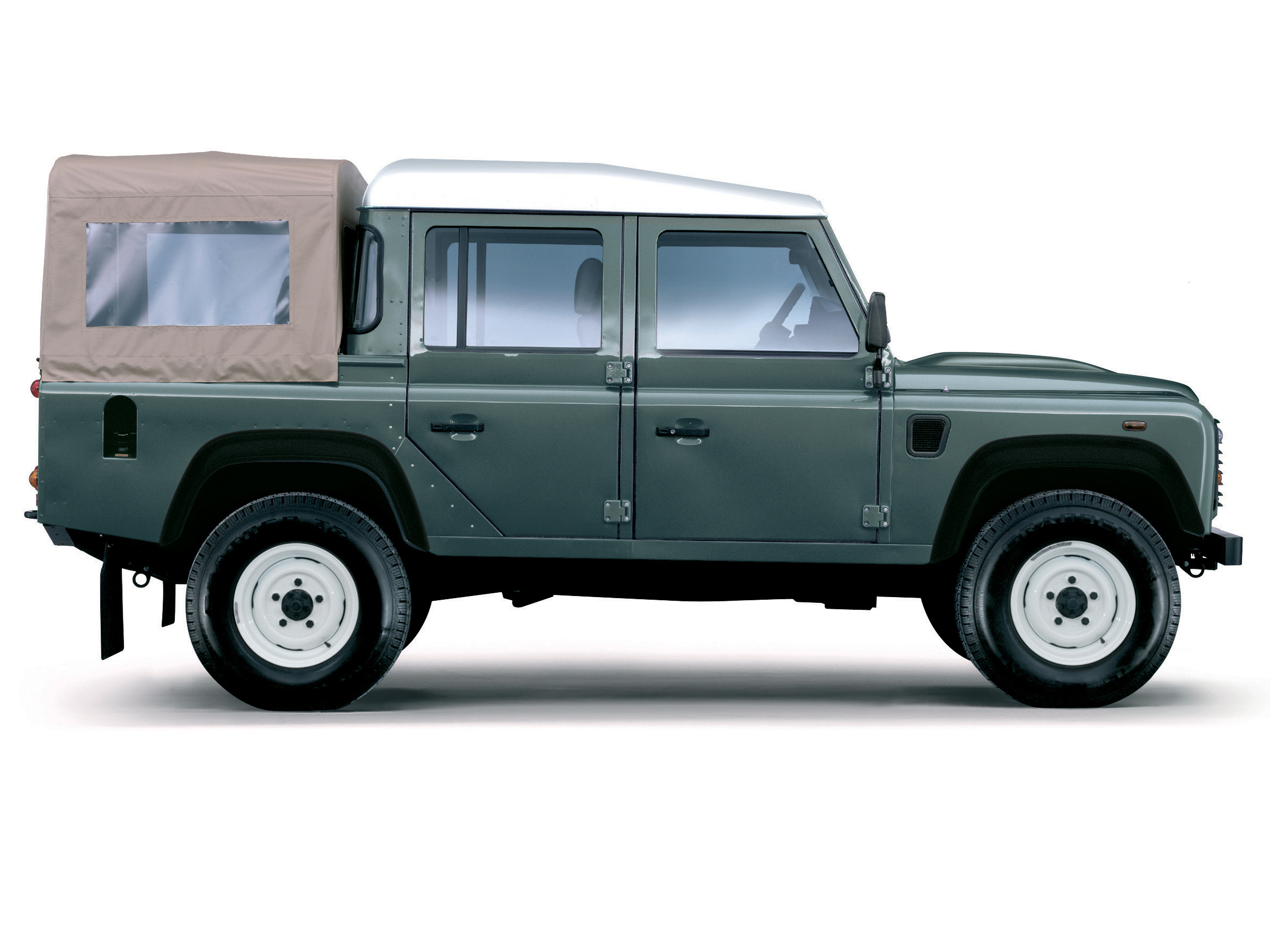 Land Rover Defender 110: 12 фото
