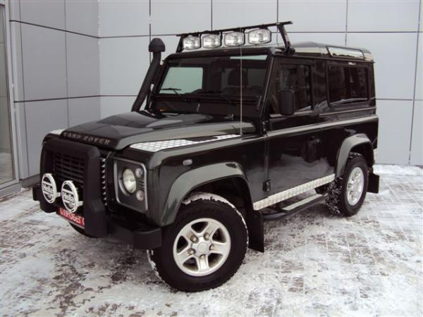 Land Rover Defender 90: 12 фото