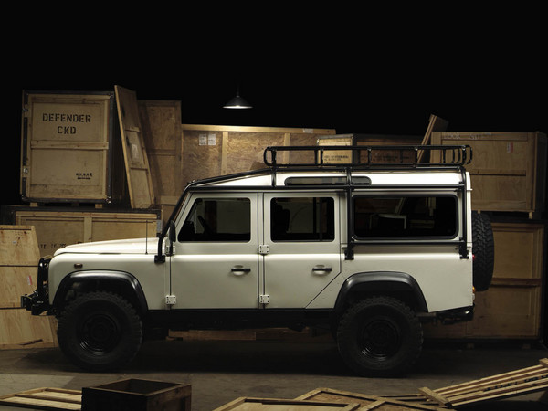 Land Rover Defender: 08 фото
