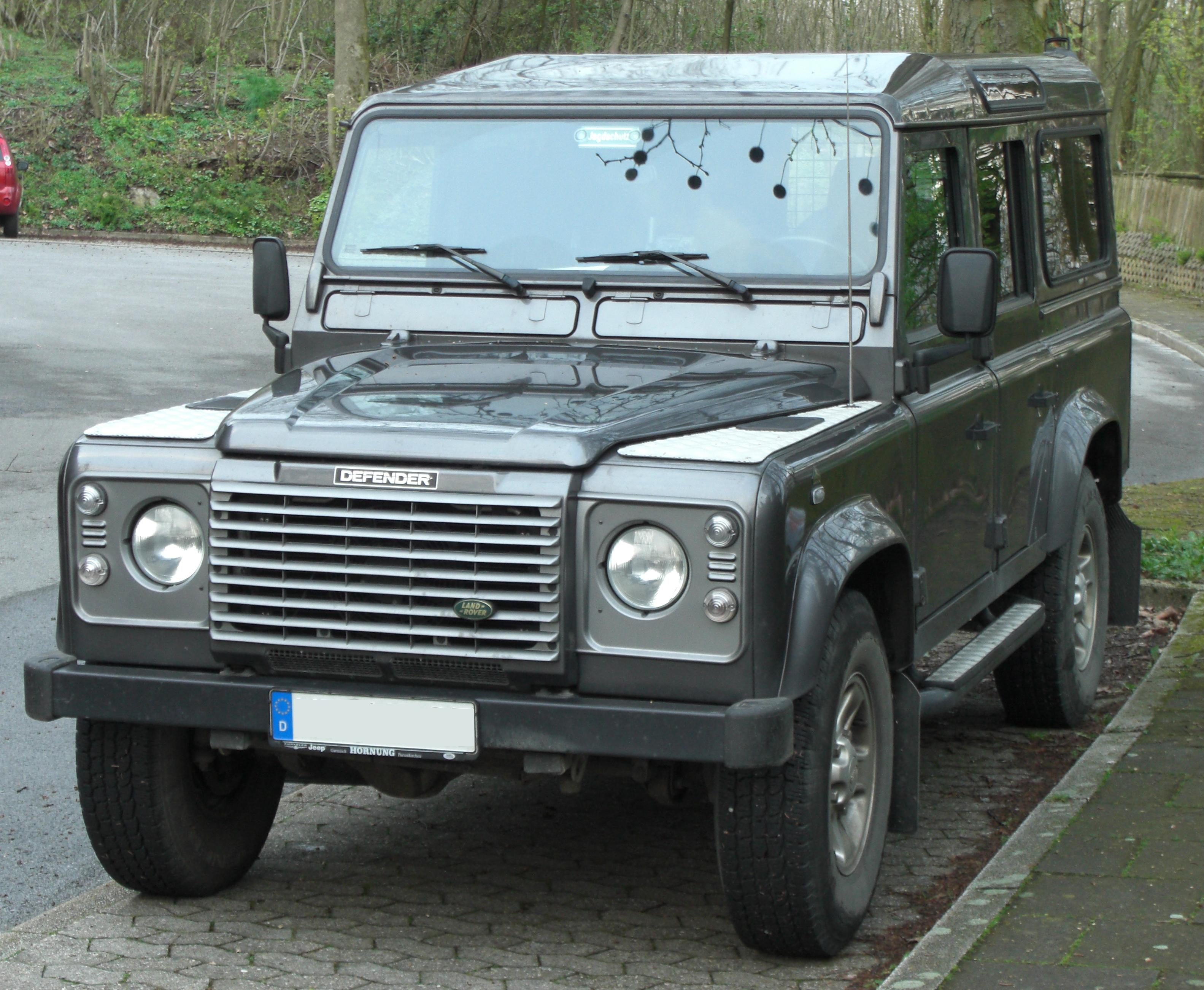 Land Rover Defender: 09 фото
