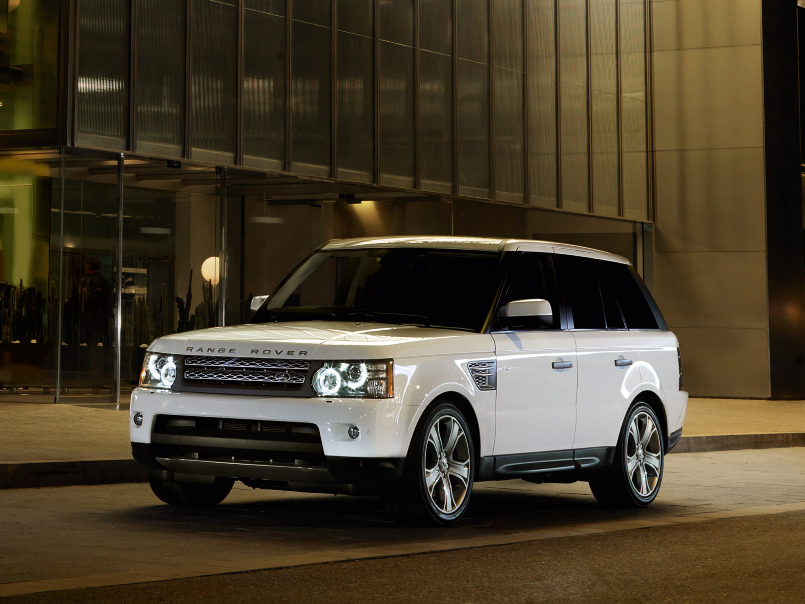 Land Rover Range Rover Sport: 5 фото