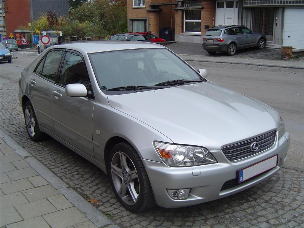Lexus IS I: 04 фото