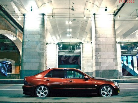 Lexus IS I: 12 фото