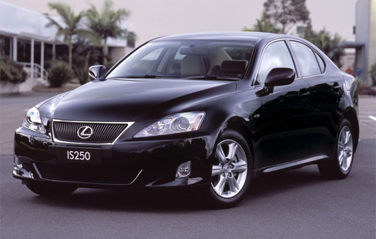 Lexus IS: 3 фото