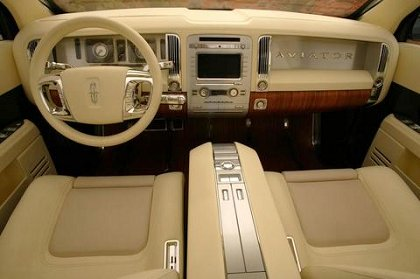 Lincoln Aviator: 03 фото
