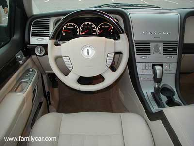 Lincoln Aviator: 07 фото