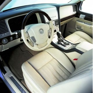 Lincoln Aviator: 10 фото