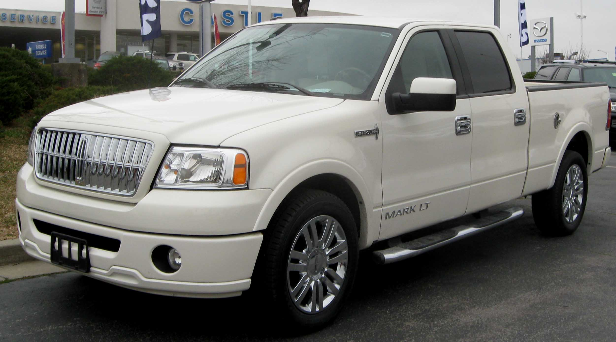 Lincoln Mark LT: 8 фото