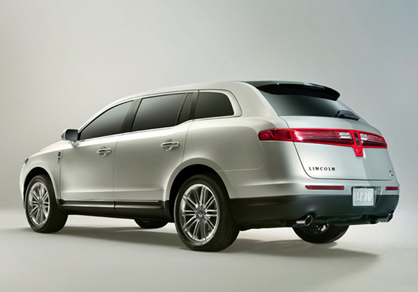 Lincoln MKT: 03 фото