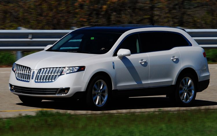 Lincoln MKT: 12 фото