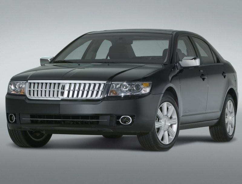 Lincoln MKZ: 03 фото