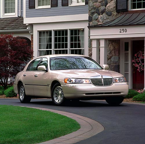 Lincoln Town Car I: 09 фото