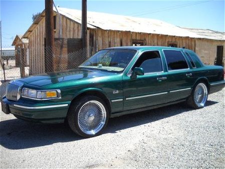 Lincoln Town Car II: 04 фото