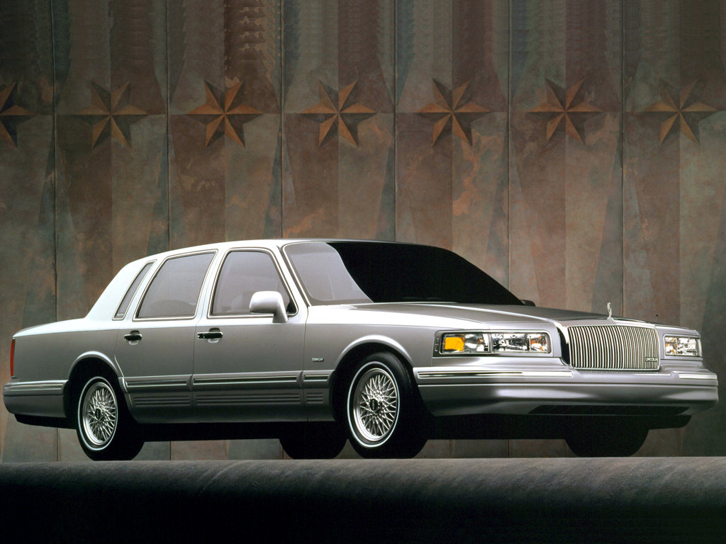 Lincoln Town Car II: 06 фото