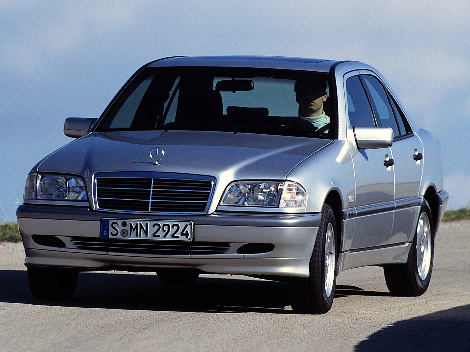File Mercedes S 600 front left additionally Wallpaper 5d together with Pictures further Mercedes C Class W202 additionally Wallpaper 3e. on 2006 mercedes class
