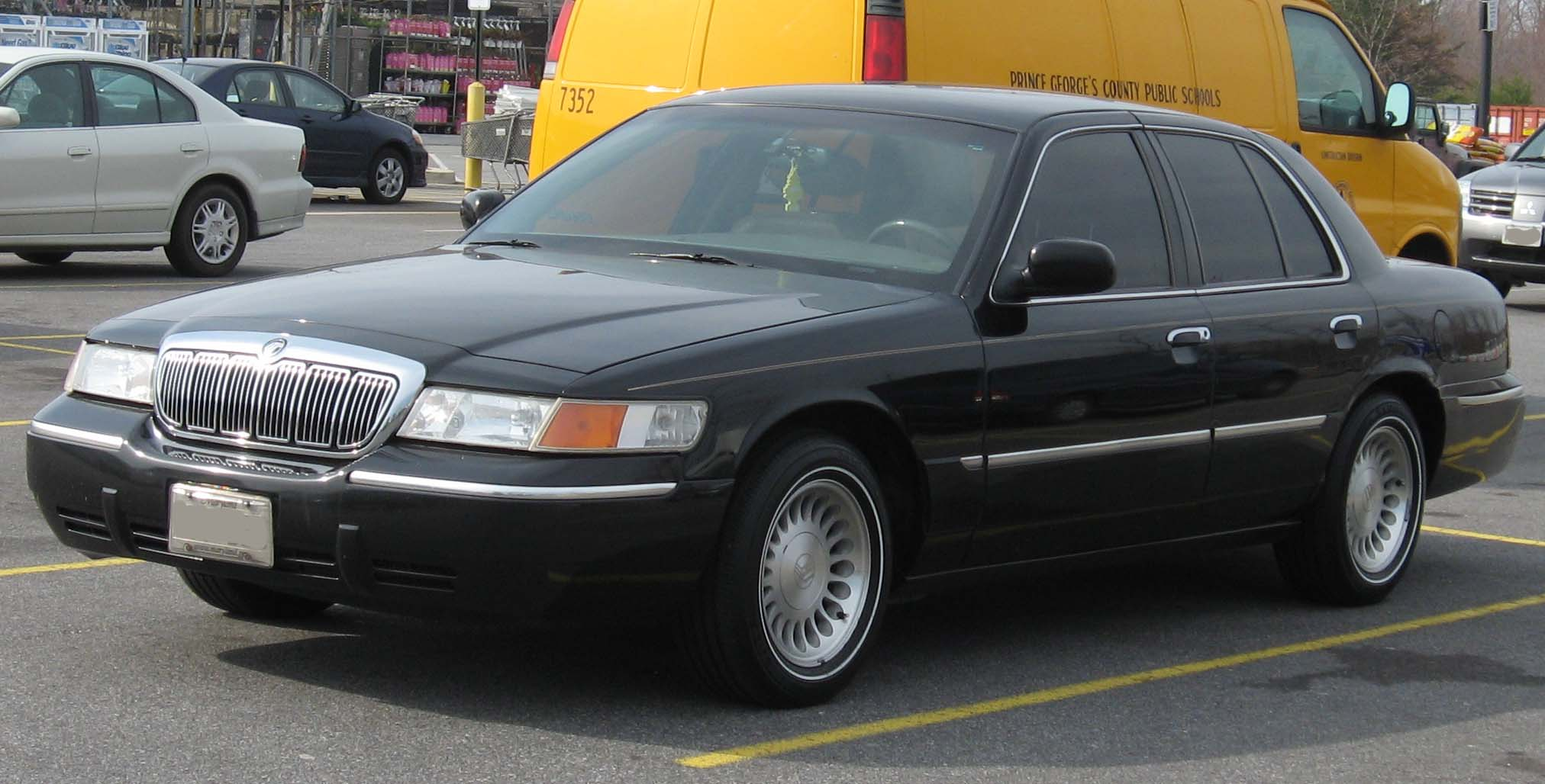 Mercury Grand Marquis: 3 фото