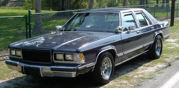 Mercury Grand Marquis: 9 фото