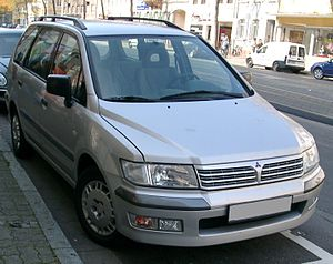 Mitsubishi Space Wagon: 03 фото