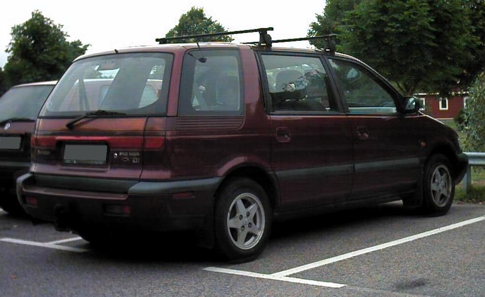 Mitsubishi Space Wagon История модели фотогалерея и