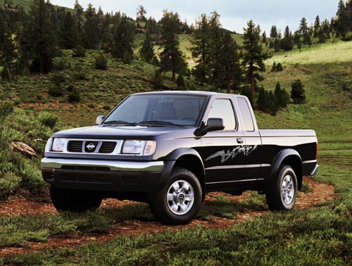 Nissan Frontier I: 9 фото