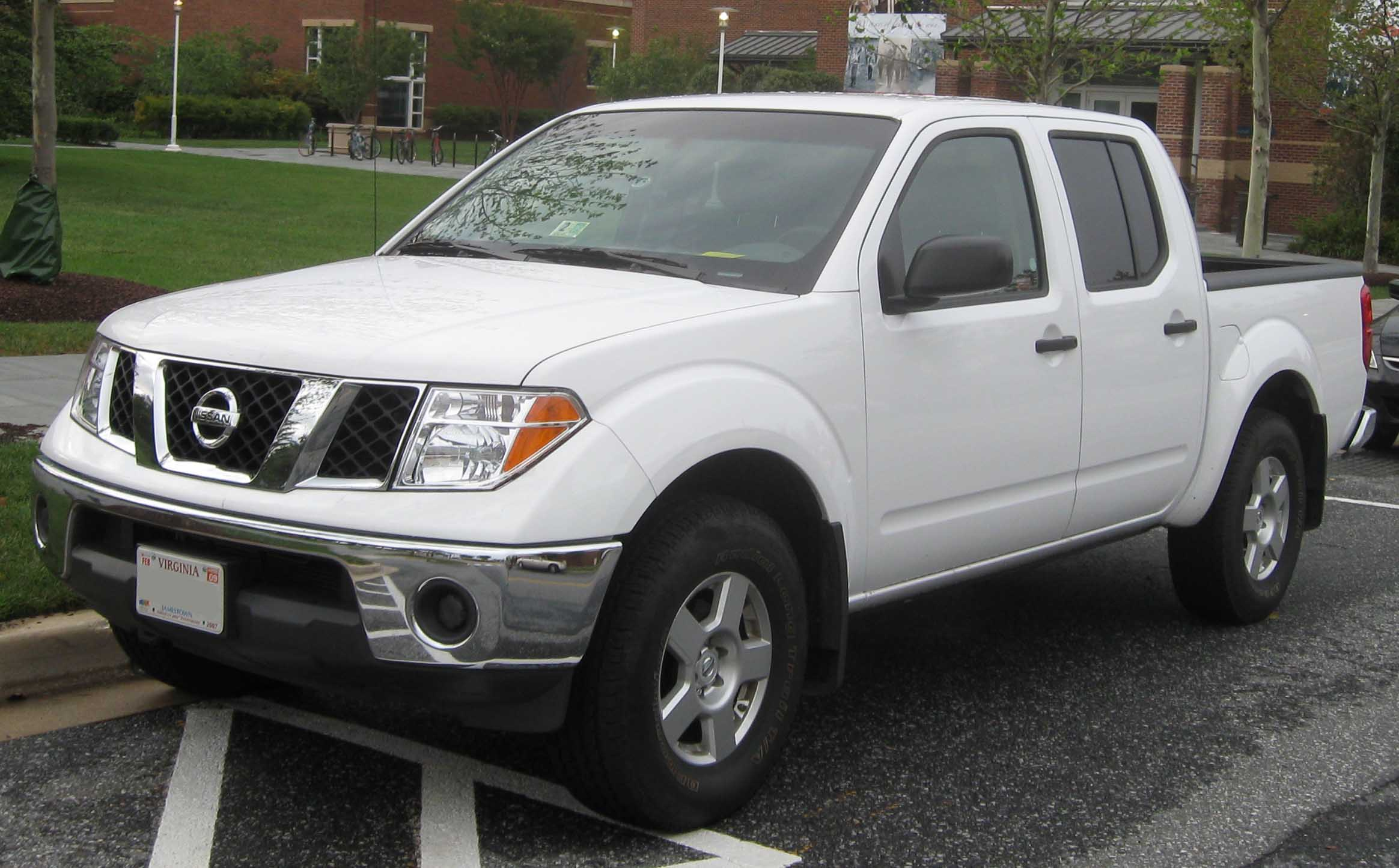 Nissan Frontier I: 12 фото