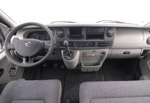 Nissan Interstar: 2 фото