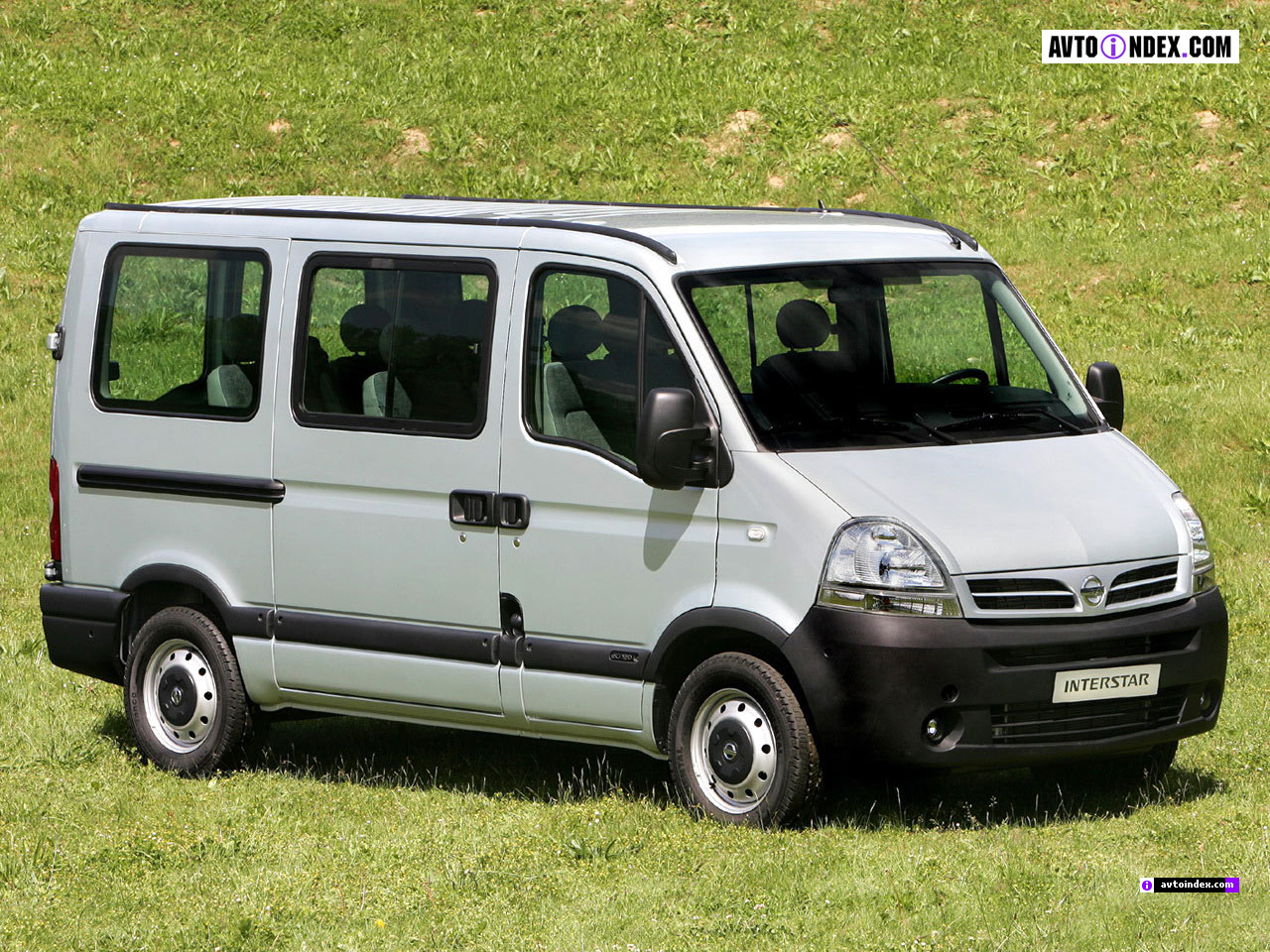 Nissan Interstar: 6 фото