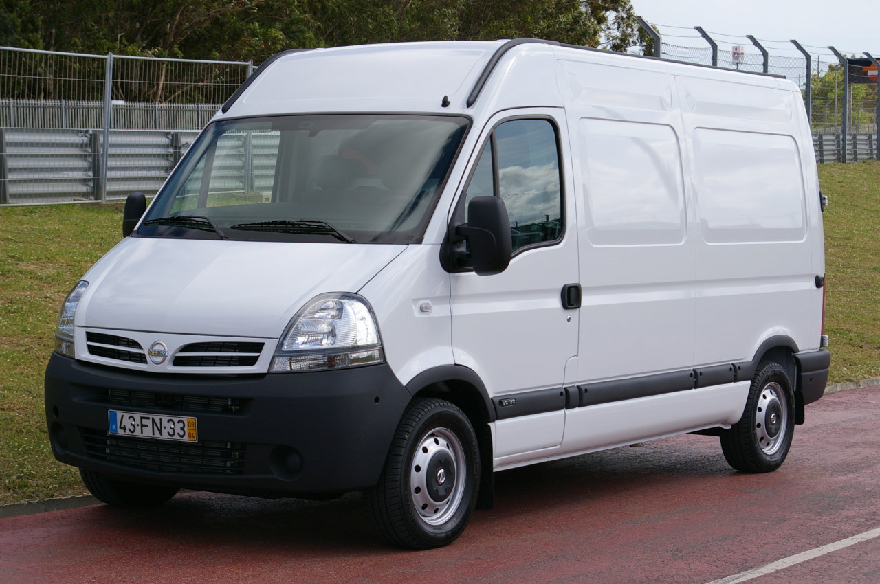 Nissan Interstar: 7 фото